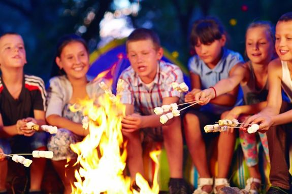 camping-with-campfires