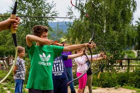 Kids-Shooting-Arrows
