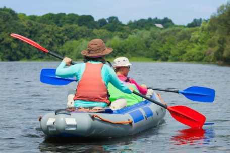 Paddleboarding-Canoeing-and-Kayaking-with-Toronto-Kids